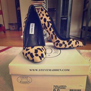 "Steve Madden leopard ""Galleryl"" heels size 6"